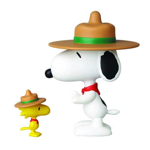 Peanuts Scout Snoopy and Woodstock Ultra Detail Figure