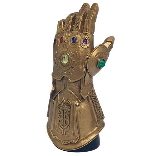 Avengers Infinity Gauntlet Desk Monument - Previews Exclusive