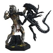 Alien and Predator AVP Requiem Special Statue with Mag. #12