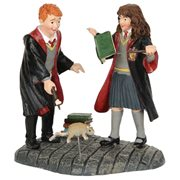 Harry Potter Village Ron and Hermione Mini-Figure Set