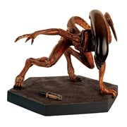 Alien and Predator Mega Runner Xenomorph Statue Special with Collector Magazine #10