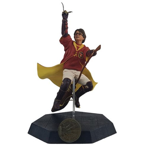 Harry Potter Quidditch Outfit Statue - Previews Exclusive