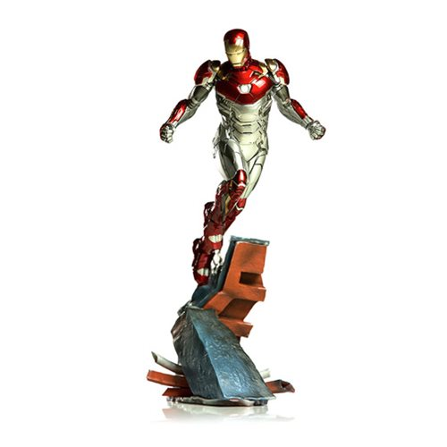 Spider-Man: Homecoming Iron Man Mark XLVII Battle Diorama Series 1:10 Scale Statue