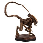 Alien and Predator Alien 3 Xenomorph Figure with Collector Magazine #4
