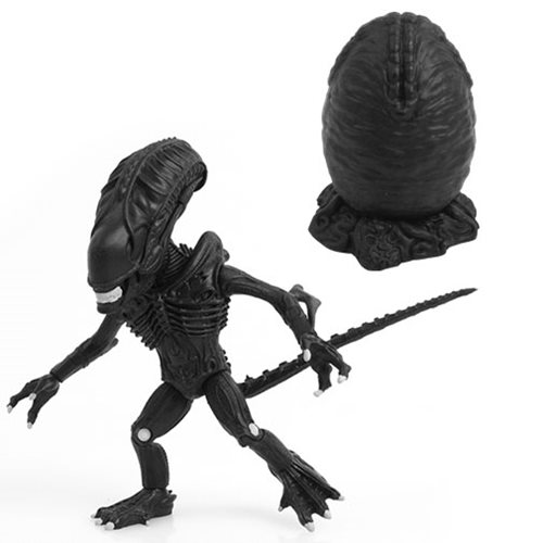 Aliens Matte Black Xenomorph Action Vinyl Figure
