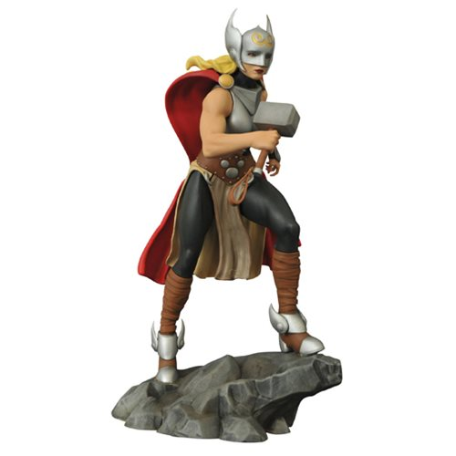 Femme Fatales Lady Thor Statue