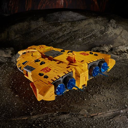 Transformers War for Cybertron Kingdom Titan Autobot Ark