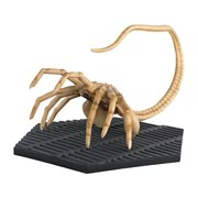 Alien Facehugger Figure with Magazine