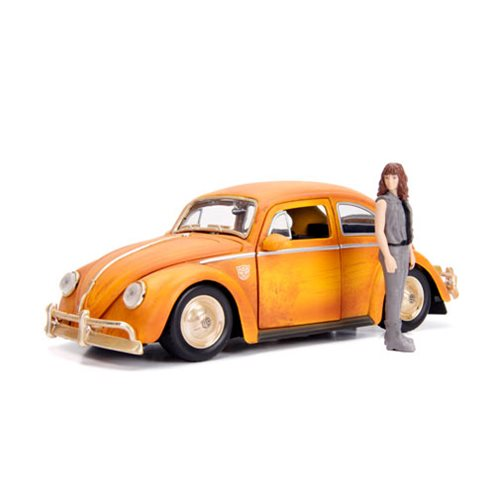 Transformers Bumblebee Movie 1:24 Scale Volkswagen Beetle Die-Cast Metal Vehicle with 3 3/4-Inch Charlie Figure