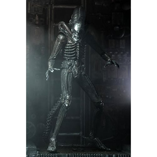 Alien Ultimate 40th Anniversary Big Chap 7-Inch Action Figure