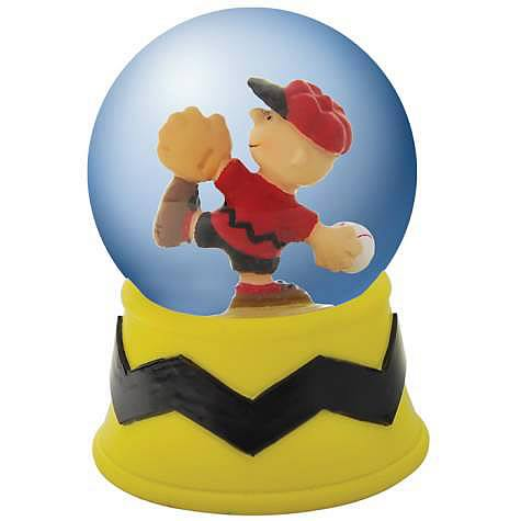 Peanuts Charlie Brown Pitching Water Globe