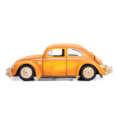 Transformers Bumblebee Movie 1:24 Scale Volkswagen Beetle Die-Cast Metal Vehicle with 3 3/4-Inch Cha