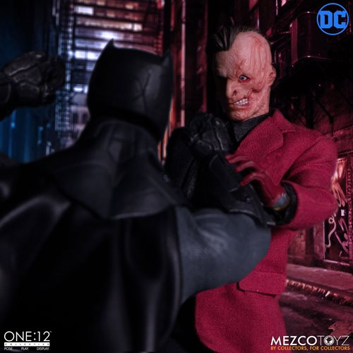 Batman Two-Face One:12 Collective Action Figure