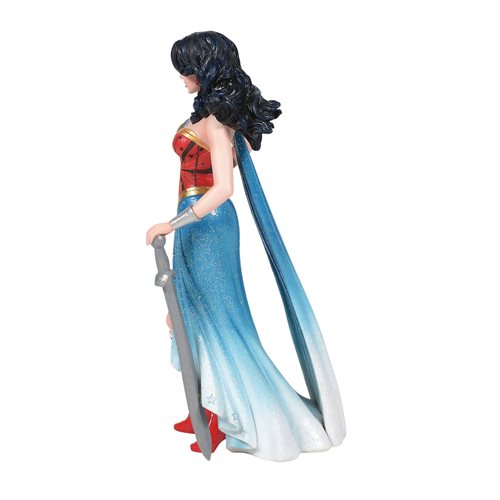 DC Comics Wonder Woman Couture de Force Statue