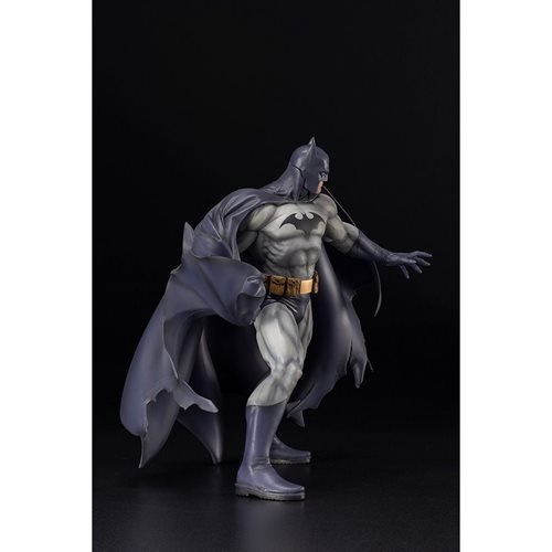 Batman: Hush Blue Costume Variant ARTFX+ 1:6 Scale Statue