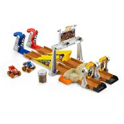 Blaze and the Monster Machines Fisher-Price Mud Pit Race Track