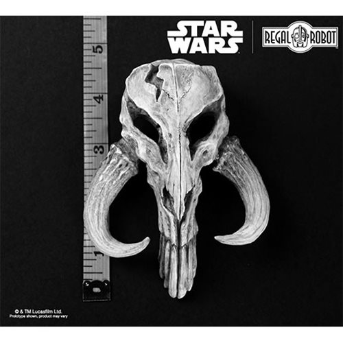 Star Wars Mandalorian Skull 4 1/2-Inch Mini Sculpture