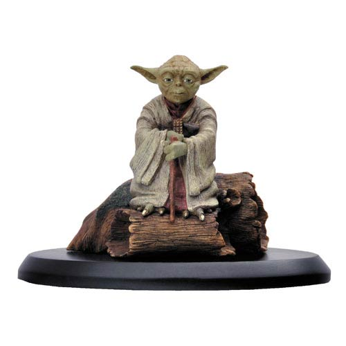 Star Wars: Episode V - The Empire Strikes Back Yoda in Dagobah 1:10 Scale Statue