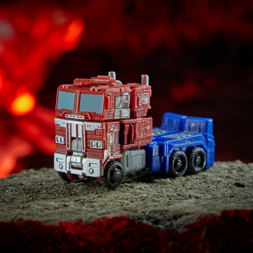 Transformers War for Cybertron Kingdom Core Optimus Prime