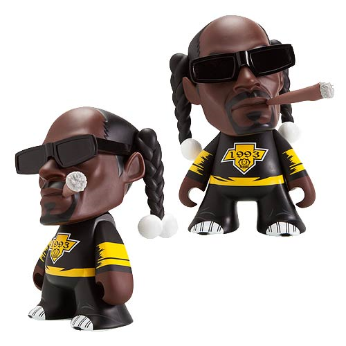 Snoop Dogg 4-20 7-Inch Vinyl Figure