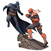 Batman vs. Deathstroke Battle Resin Statue