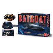 Batman Returns Batboat 1:25 Scale Plastic Model Kit