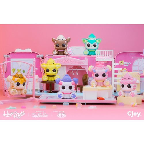 Haki & Bobi Series Random Blind Box Mini-Figures Display Case