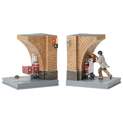 Wizarding World of Harry Potter Platform 9 3/4 Bookends Statue