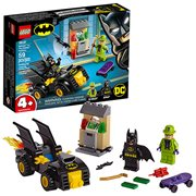 LEGO 76137 DC Comics Super Heroes Batman vs. The Riddler Robbery
