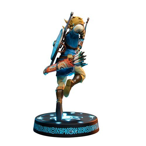 The Legend of Zelda: Breath of the Wild Link Collector's Edition Statue