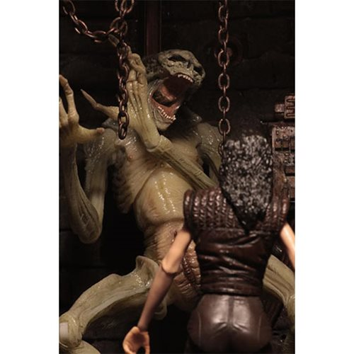 Aliens Alien Ressurection Newborn 7-Inch Scale Deluxe Action Figure