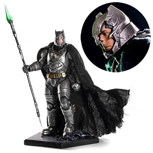 Batman v Superman: Dawn of Justice Battle-Damaged Armored Batman 1:10 Scale Statue