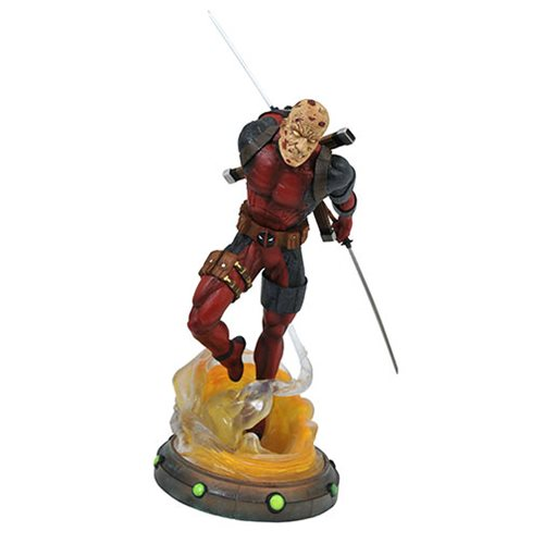 Marvel Comic Gallery Deadpool Unmasked Statue