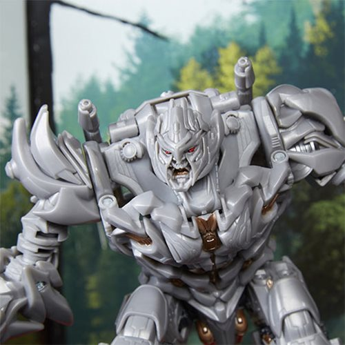 Transformers Studio Series Voyager Class Megatron
