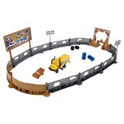 Cars 3 Crazy 8 Crashers Smash and Crash Derby Playset