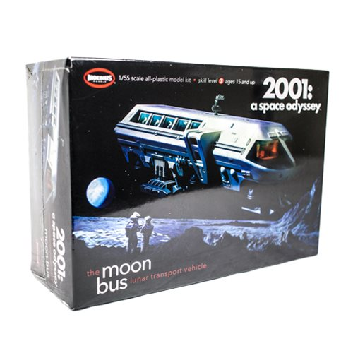 2001: A Space Odyssey Moon Bus 1:50 Scale Model Kit