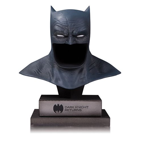 DC Gallery The Dark Knight Returns Batman Cowl Replica