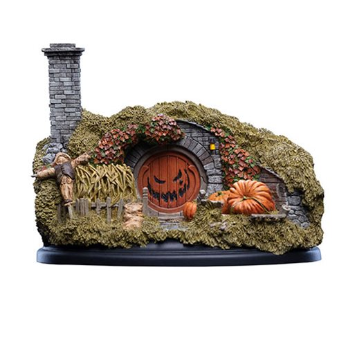 The Hobbit 16 Hill Lane Halloween Edition Statue