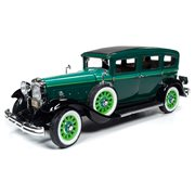 1931 Peerless Master 8 Sedan 1:18 Scale Die-Cast Vehicle