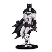 DC Comics Artists' Alley Batman Black and White Variant by Hainanu Nooligan Saulque Vinyl Statue