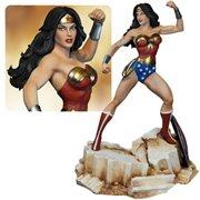 Wonder Woman Super Powers Statue