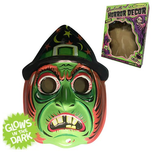Ghoulville Classic Witch Vac-tastic Plastic Mask Wall Décor