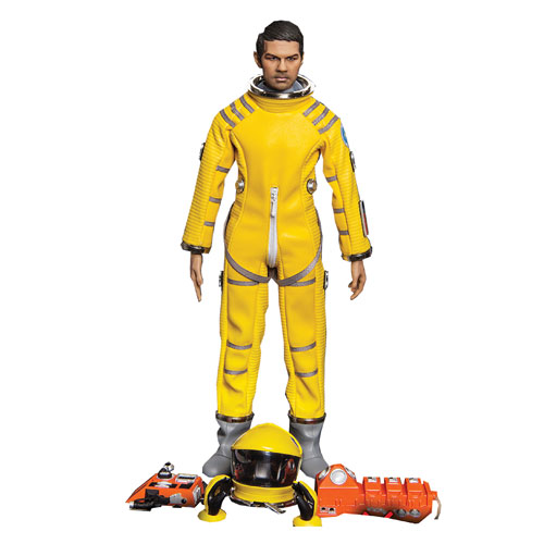2001: A Space Odyssey Gary Lockwood as Dr. Frank Poole in Yellow Astronaut Suit 1:6 Scale Deluxe Action Figure