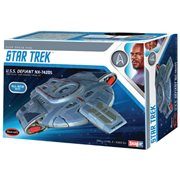 Star Trek U.S.S. Defiant Snap Kit Model Kit