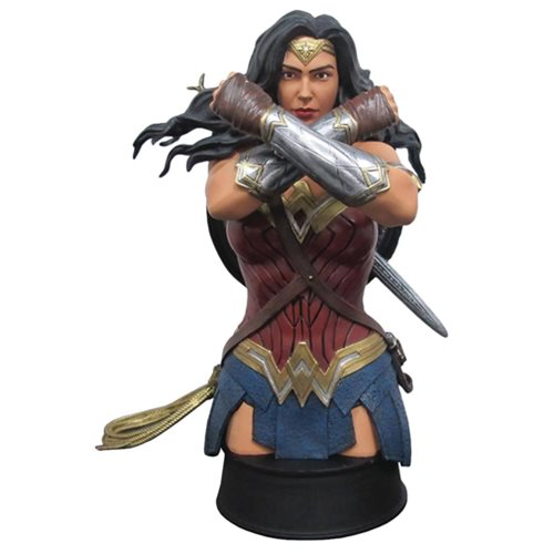 Wonder Woman Movie Defend Bust - Previews Exclusive