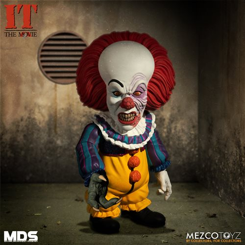 IT Deluxe Pennywise 1990 Stylized 6-Inch Action Figure