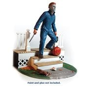 Halloween Michael Myers 1:8 Scale Light-Up Model Kit