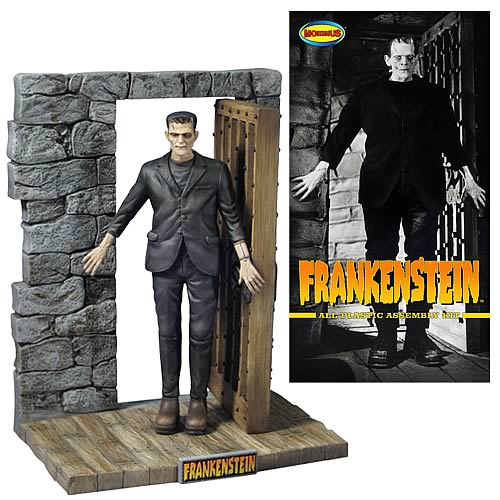 Universal Monsters Frankenstein 1:8 Scale Model Kit