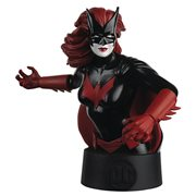Batman Universe Batwoman Bust with Collector Magazine #21